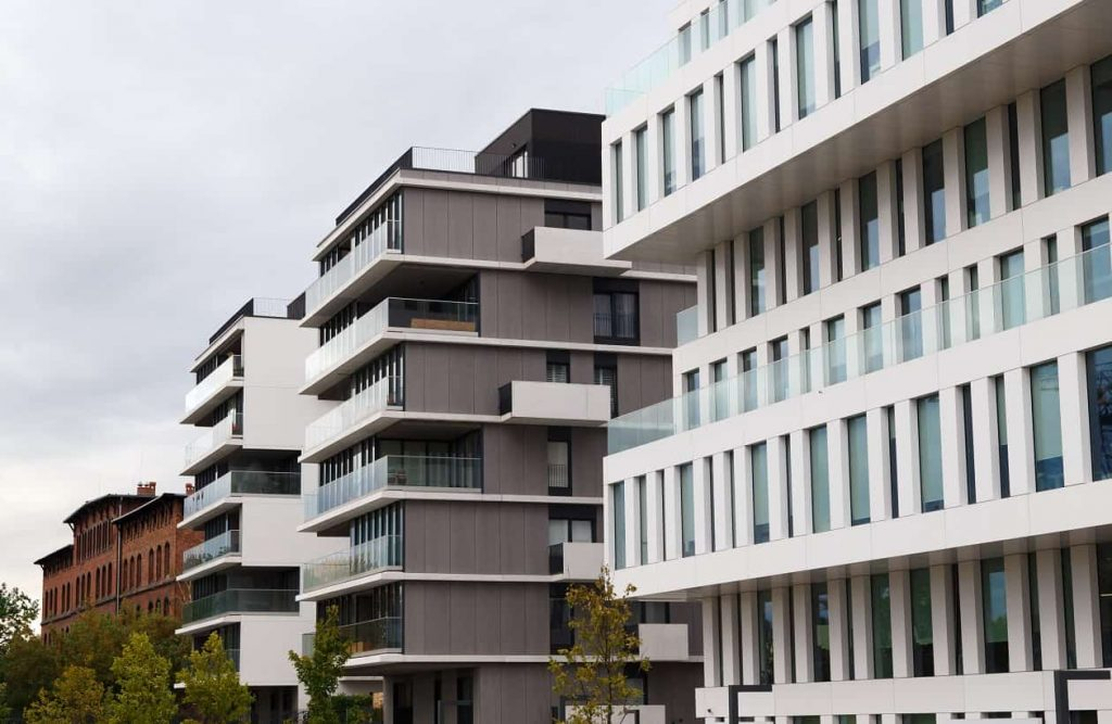 The Pros and Cons of Apartment Building Investing
